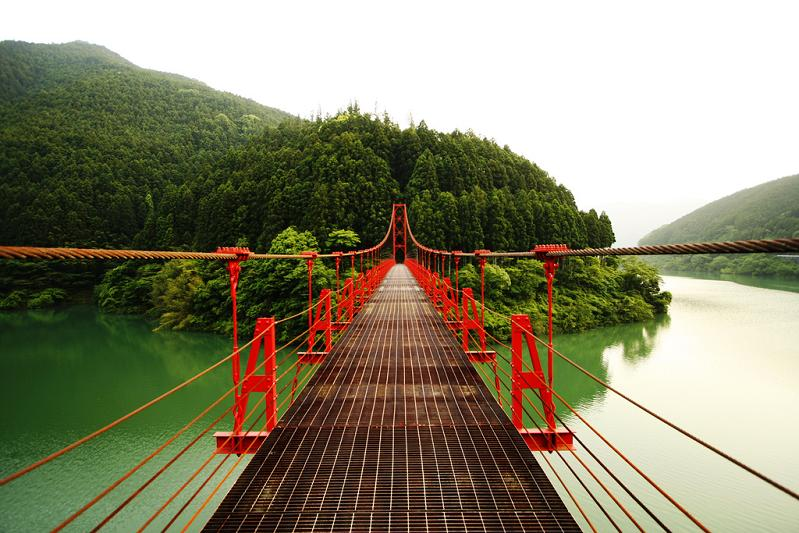 red bridge wakayama prefecture The Flickr Color Exploration Series: RED