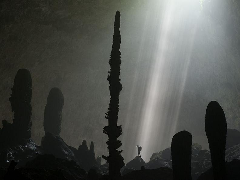 cave stalagmites vietnam Picture of the Day: Cave Stalagmites, Vietnam