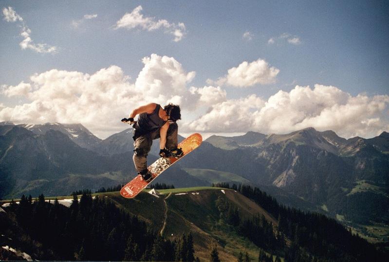 chicken salad grab snowboard The 5 Essential Snowboard Grabs [20 Pics]