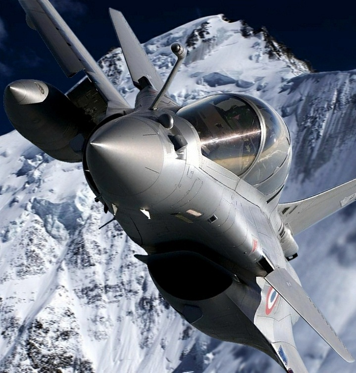 fighter jet up close midair Picture of the Day: Fighter Jet Up Close and Personal   Jan. 4, 2011