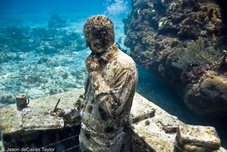 jason-decaires-taylor-artist-underwater-sculpture