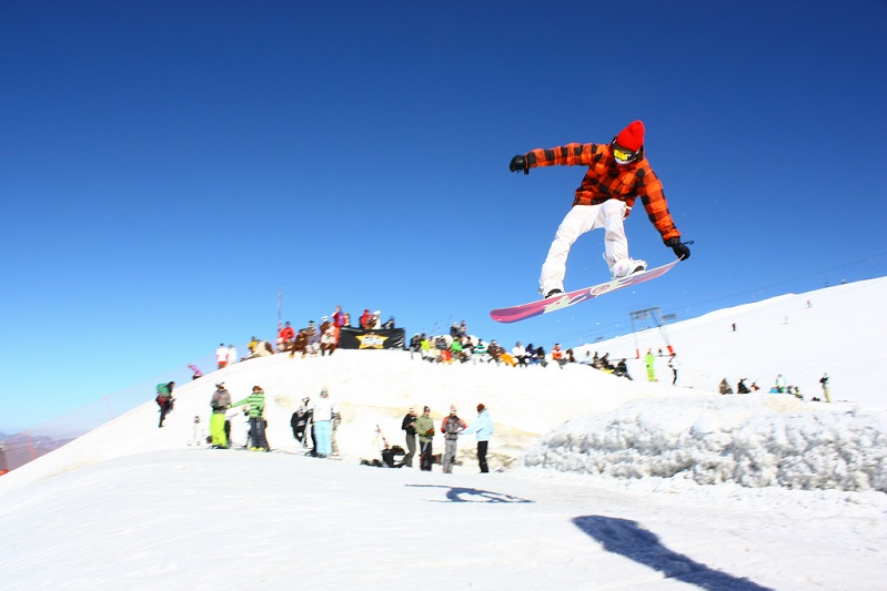 perfect tail grab The 5 Essential Snowboard Grabs [20 Pics]