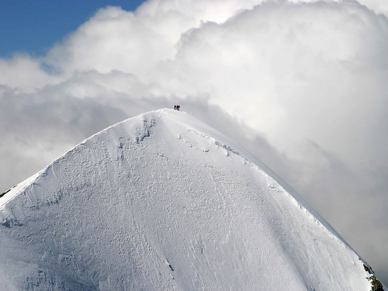 summit peak western briethorn europe alps Picture of the Day: Reaching the Summit