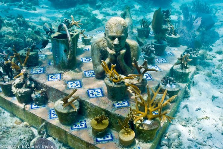 underwater-sculptures-artist-jason-decaires-taylor-artificial-reefs-5