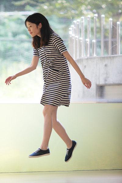 japanese girl levitates natsumi hayashi 3 Natsumi Hayashi: A Life of Levitation [25 pics]