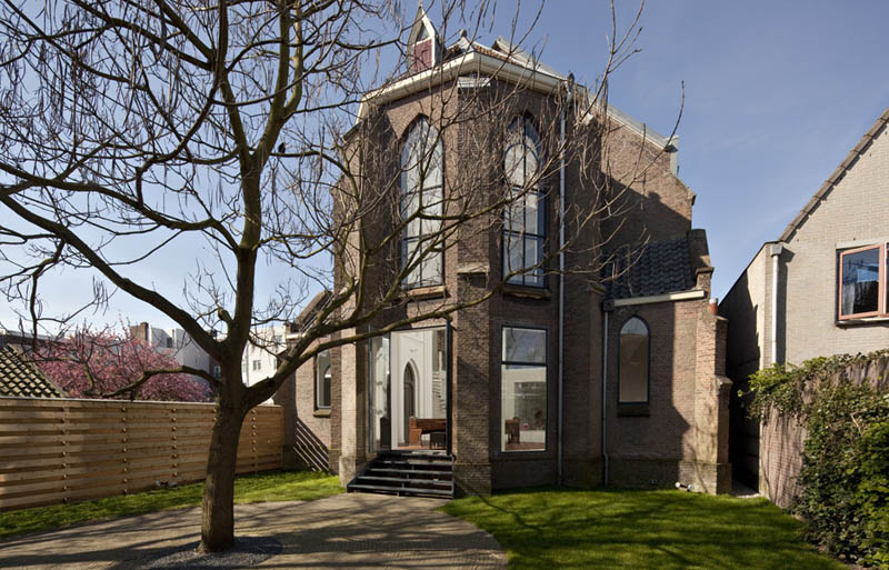 church conversion into residence utrecht the netherlands zecc architects 7 Converting a Church Into a Family Home