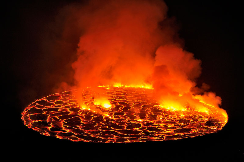 laval lake africa nyiragongo crater Picture of the Day: The Biggest Lava Lake in the World