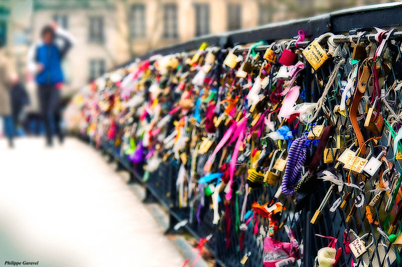 lovers bridge pont des arts paris france Picture of the Day: Lovers Bridge in Paris