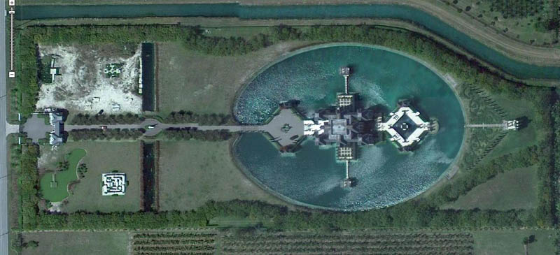 miami mansion with moat charles sieger Picture of the Day: A Castle in Miami?!?