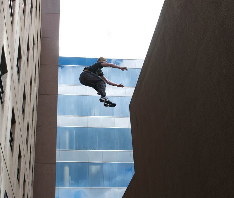 parkour pk freerunning traceurs 15 25 Incredible Parkour Photographs