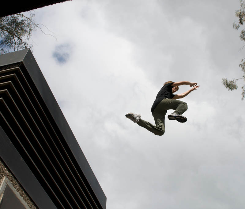parkour pk freerunning traceurs 16 25 Incredible Parkour Photographs