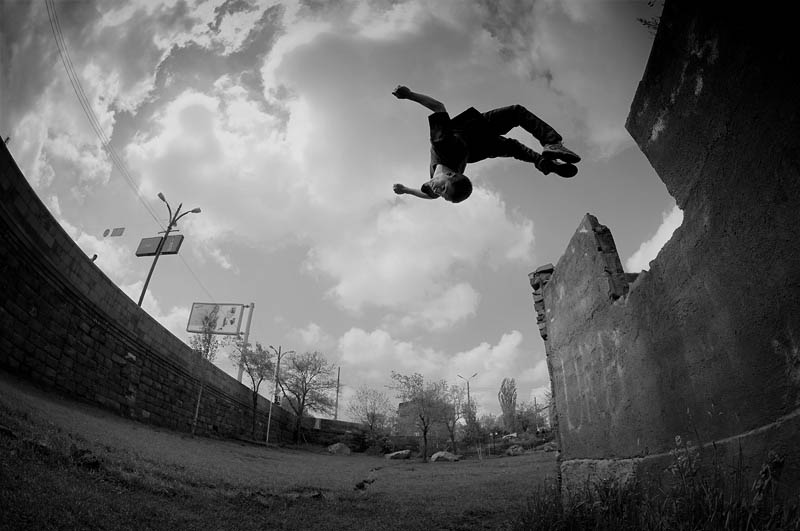 25 Incredible Parkour Photographs