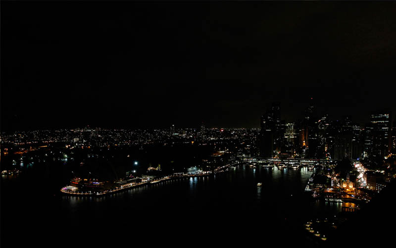 sydney australia skyline earth hour 2011 Picture of the Day: Lights Out Sydney!