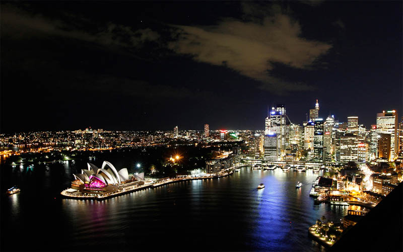 sydney skyline earth hour 2011 Picture of the Day: Lights Out Sydney!