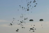 Picture of the Day: US Paratroopers