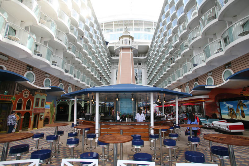 worlds biggest cruise ship allure of the seas royal carribean 16 The Worlds Largest Cruise Ship: Allure of the Seas