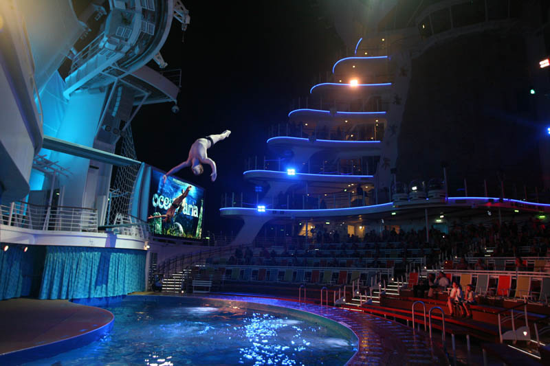 worlds biggest cruise ship allure of the seas royal carribean 23 The Worlds Largest Cruise Ship: Allure of the Seas