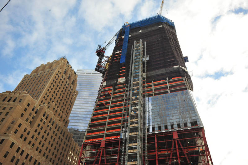 1 wtc under construction This Day In History   April 27th