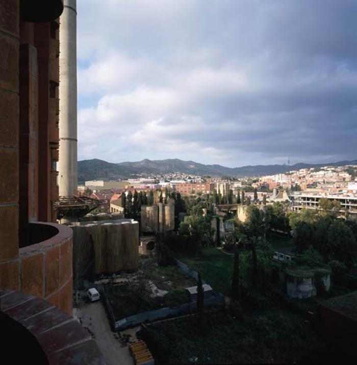 cement factory conversion ricardo bofill barcelona spain 20 Incredible Cement Factory Conversion in Barcelona [30 pics]