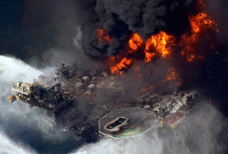deepwater horizon oil rig burning This Day In History   April 20th