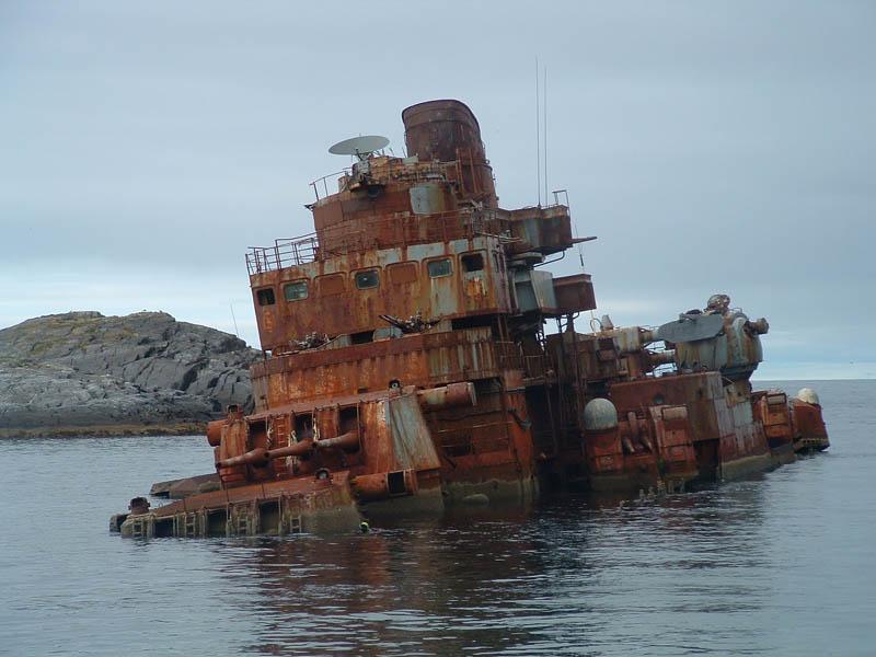 russian battle ship murmansk tromso 25 Haunting Shipwrecks Around the World