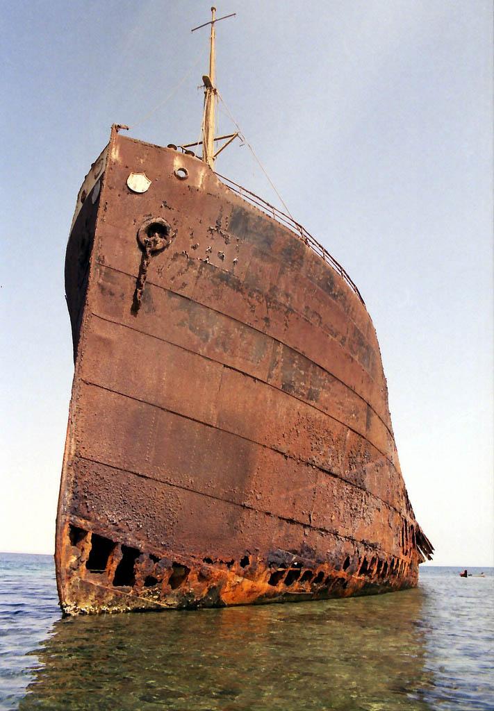 shipwreck red sea 25 Haunting Shipwrecks Around the World