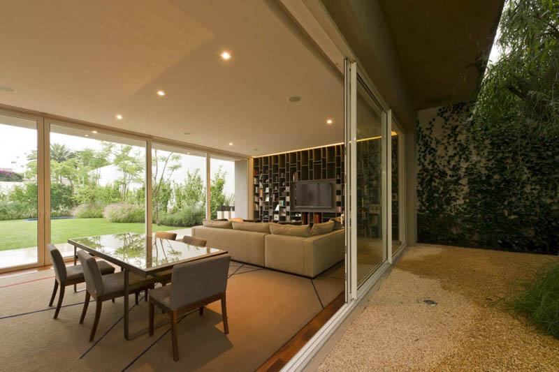 ae house twentyfourseven mexico city inward facing design 24 Gorgeous Inward Facing Home in Mexico City [30 pics]