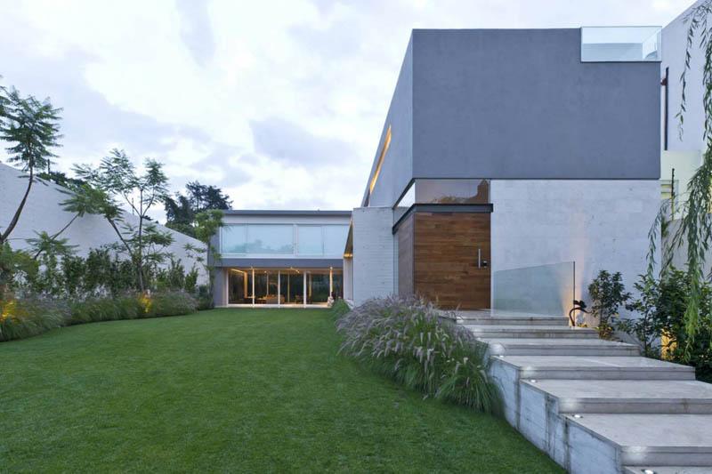 ae house twentyfourseven mexico city inward facing design 30 Gorgeous Inward Facing Home in Mexico City [30 pics]