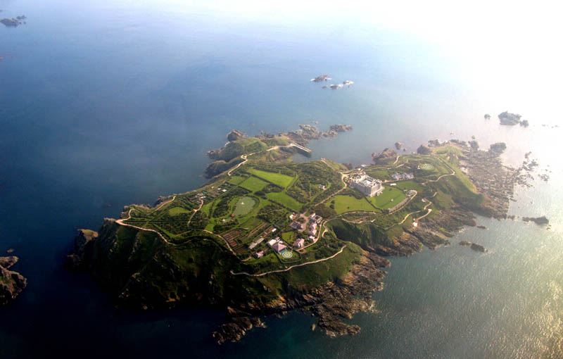 aerial brecqhou from the air Picture of the Day: The Incredible Island of Brecqhou