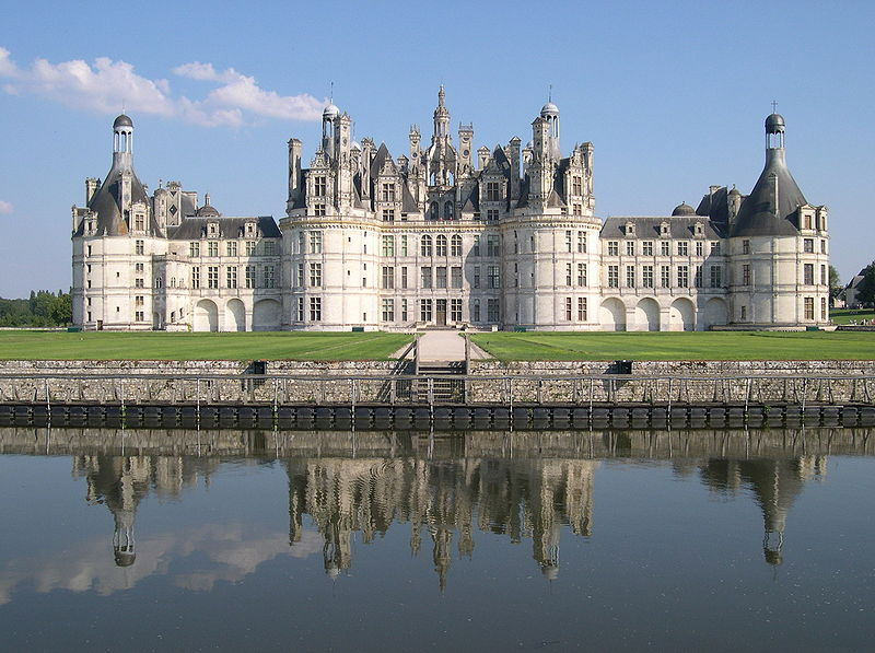 france chambord chateau moat 20 Impressive Moats Around the World