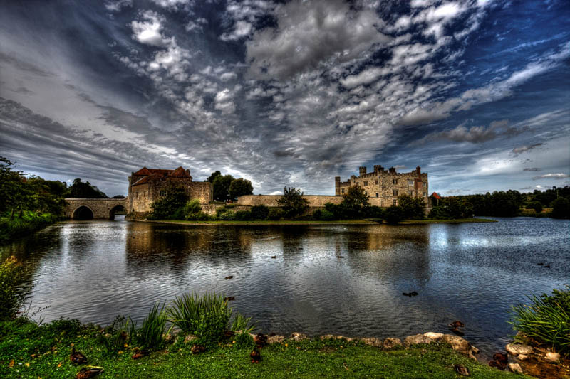 leeds castle england moat surrounded by water 20 Impressive Moats Around the World