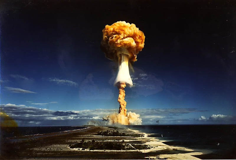 mushroom cloud color nuclear bomb detonation french polynesia Picture of the Day: Three Insane Mushroom Clouds