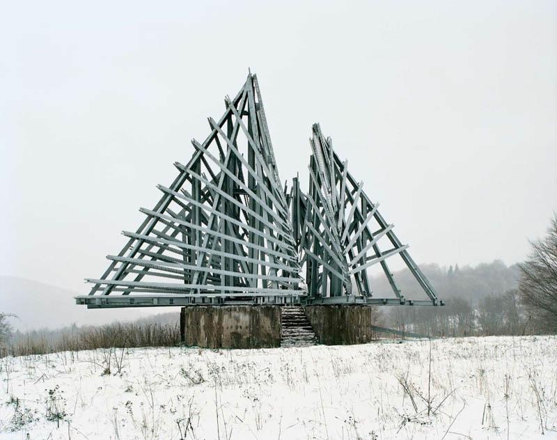 old monuments yugoslavia spomeniks jan kempenaers 11 Forgotten Monuments from the former Yugoslavia