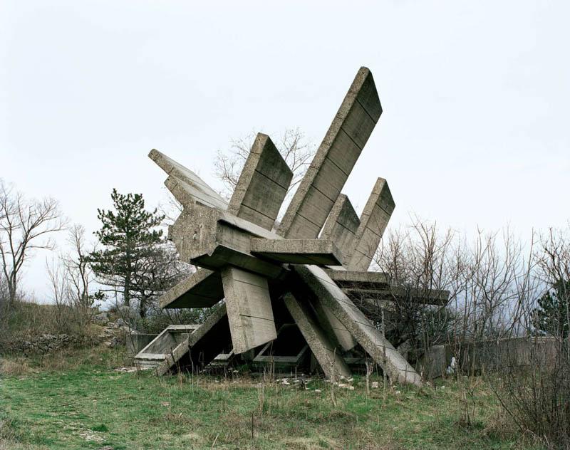 old monuments yugoslavia spomeniks jan kempenaers 12 Forgotten Monuments from the former Yugoslavia