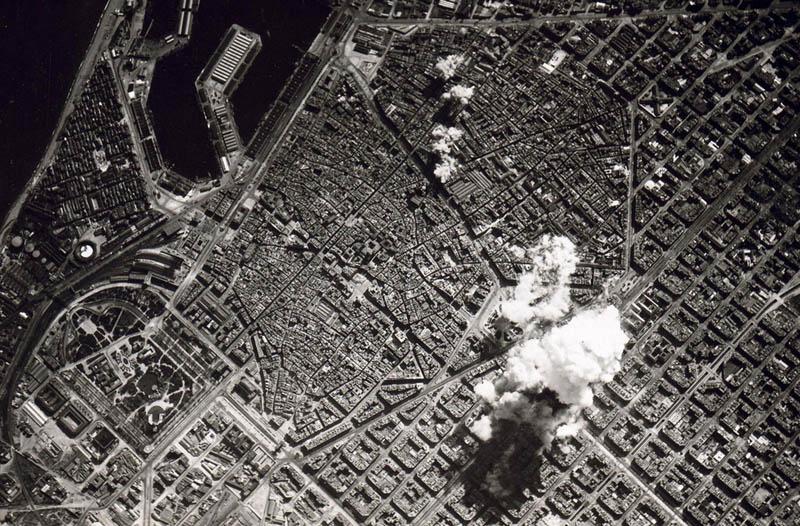 aerial bombing barcelona spain 1938 spanish civil war Picture of the Day: 1938 Aerial Bombing of Barcelona