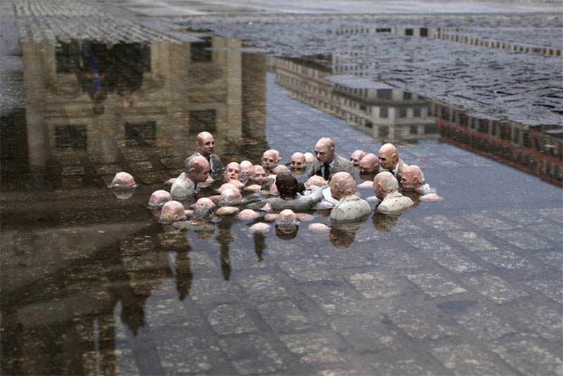 Cleverly Placed Miniature Cement Sculptures by Isaac Cordal