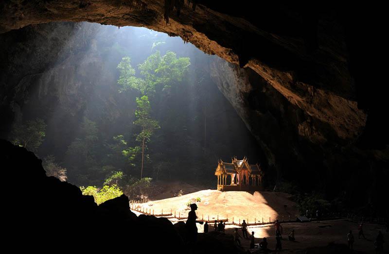 kuha karuhas pavilion inside phraya nakhon cave khao sam roi yot national park thailand Picture of the Day: The Kuha Karuhas Cave Pavillion in Thailand