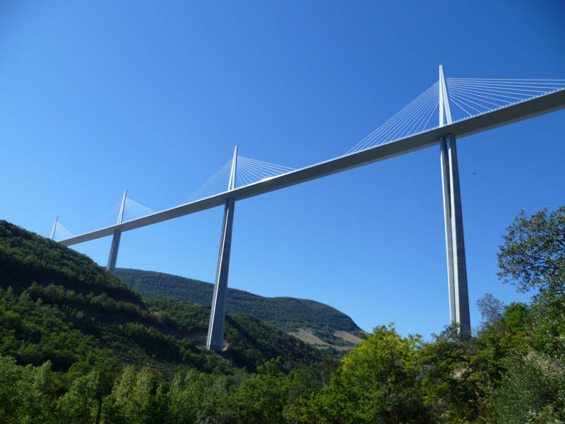 worlds tallest bridge millau viaduct france 1 The Tallest Bridge in the World [20 pics]