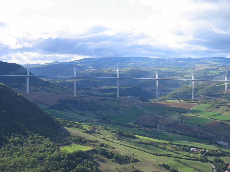 worlds tallest bridge millau viaduct france 11 The Tallest Bridge in the World [20 pics]