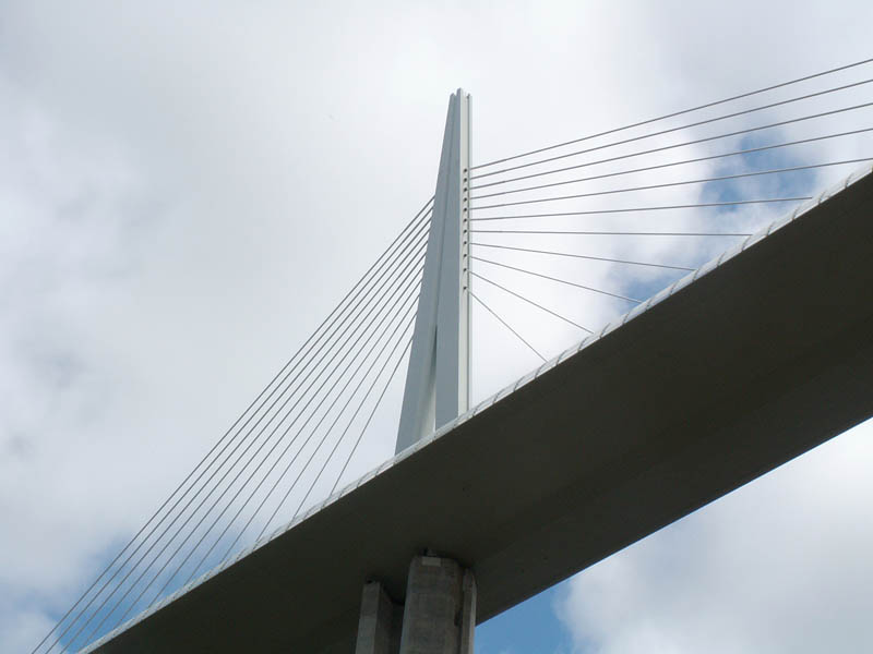 worlds tallest bridge millau viaduct france 12 The Tallest Bridge in the World [20 pics]
