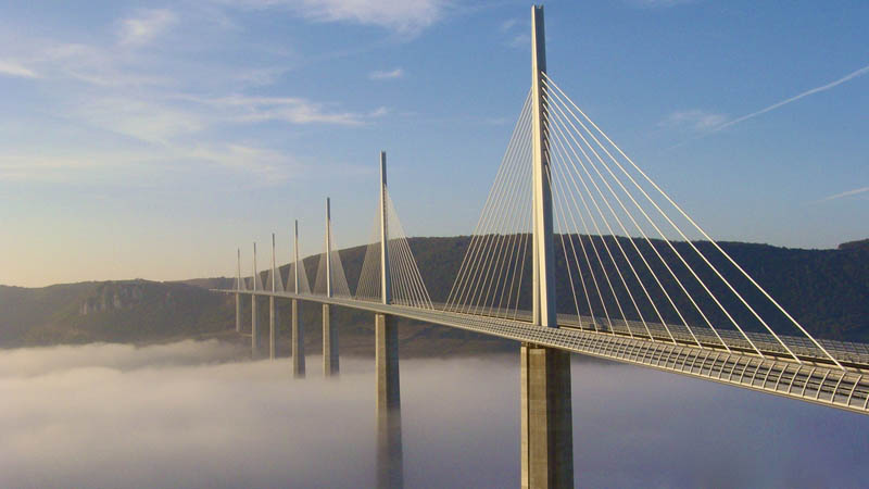 worlds tallest bridge millau viaduct france 2 The Tallest Bridge in the World [20 pics]