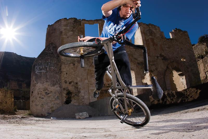 flatland bmx photography fat tony 6 21 Unbelievable Flatland BMX Photographs