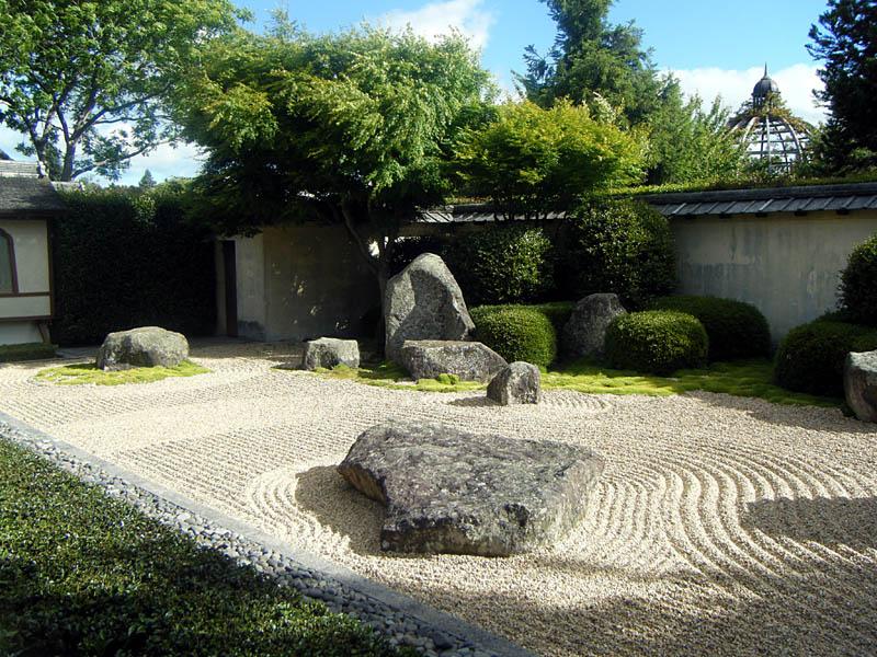 japanese garden at hamilton gardens waikato new zealand 20 Stunning Japanese Gardens Around the World