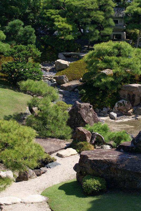keiunkan in nagahama shiga prefecture japan 20 Stunning Japanese Gardens Around the World