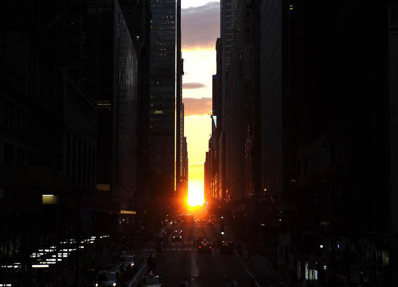 manhattanhenge sunset Picture of the Day: Manhattanhenge