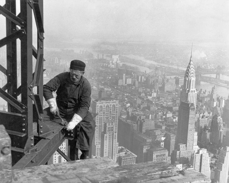old time structural worker building the empire state building 1930 Picture of the Day: Empire State Building Structural Worker 1930