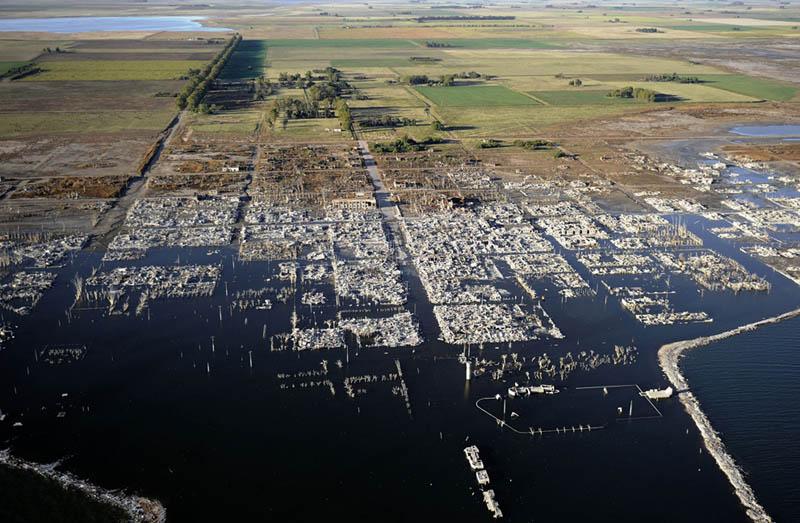 ruins of villa epecuen argentina aerial Picture of the Day: Flooded Ruins of Villa Epecuen
