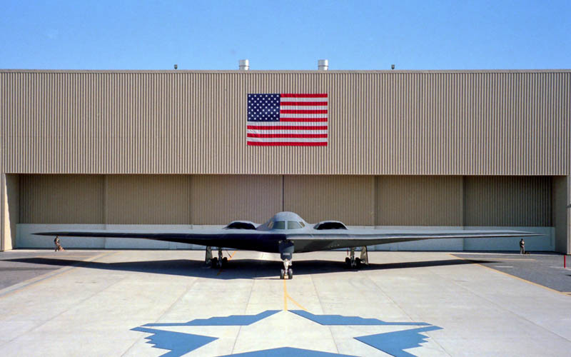 stealth bomber b 2 spirit 2 10 Things You Didnt Know About the Stealth Bomber