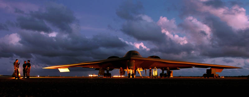 stealth bomber b 2 spirit at night 10 Things You Didnt Know About the Stealth Bomber