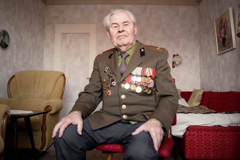 wwii veterans portraits konstantin suslov 22 Honoring the Veterans of World War II [25 pics]